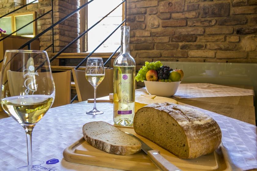 Víno a chléb